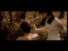 "Elisa - ""Luce (tramonti a nord est)"" - (official video - 2001) - YouTube"