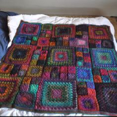 Granny squares of different sizes layout