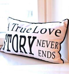 Tyyny 30 x 50cm, True Love, valkoinen 17,90€