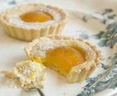 KLEIN TERTJIES SOET South African Dishes, South African Recipes, Sweet Recipes, Cake Recipes, Milk Tart, Jam Tarts, Mini Pies, Small Cake, Savory Snacks
