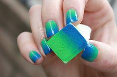 Blue & green gradient nails with a makeup sponge.