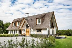 Roof Design, House Design, Different House Styles, Belgian Style, Thatched Roof, Outside Living, Home Reno, Cottage Homes, Exterior Paint