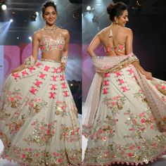 Kiara advani in papadontpreachbyshubhika Indian Bridal Outfits, Indian Bridal Lehenga, Indian Party Wear, Indian Bridal Wear, Pakistani Bridal, Red Lehenga, Lehenga Choli, Choli Designs, Lehenga Designs