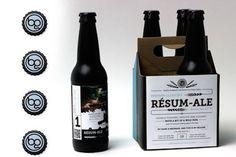 Un designer a eu l'idée originale de transformer son CV en pack de bières (fait maison).