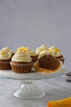 Mini Cupcakes, Muffins, Desserts, Food, Tailgate Desserts, Muffin, Deserts, Essen, Postres