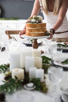 En los últimos años se había visto una tendencia en eluso de los cupcakes como alternativa al pastel de boda de pisos y niveles múltiples, pero esta tendencia ha sido sustituida por los pasteles d…