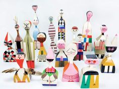 ¿Sin ideas para regalar en Navidad? #RegalaDiseñoOriginal #Vitra #AlexanderGirard #Wooden Dolls