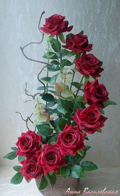 Give your table set up looks more attractive in this floral centerpiece Giant Paper Flowers, Clay Flowers, Faux Flowers, Beaded Flowers, Crochet Flowers, Silk Flowers, Flower Pots, Rosen Arrangements, Church Flower Arrangements