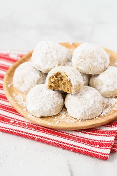 What's not to love about these gluten free vegan snowball cookies? Gluten Free Bakery, Gluten Free Cooking, Gluten Free Desserts, Vegan Gluten Free, Holiday Desserts, Holiday Baking, Just Desserts, Russian Tea Cake, Chocolate Crinkle Cookies