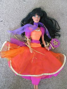 I used to have this doll. I want a scaled up version of this dress.