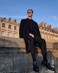 #vscocam #vsco #paris #tuileries #jardindestuileries #concorde #placedelaconcorde #toitsdeparis #menstyle #mensfashion #menswear #shoes #sunglasses Rudy Outreville  Alexander Mcqueen Jardin Des Tuileries, Men's Fashion, Alexander Mcqueen, Vsco, Louvre, Style, Moda Masculina, Swag, Fashion For Men