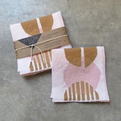 Willowship beverage napkins are block printed by hand in original modern prints inspired by Scandanavian and MidCentury designs. Made here in Portland Oregon. Block-printed by hand in this maize/pink colorway on blush linen Dimensions: 9 Hand Printed Fabric, Printed Napkins, Printed Linen, Block Printing On Fabric, Block Print Fabric, Block Printing Designs, Block Prints, Textiles, Textile Prints