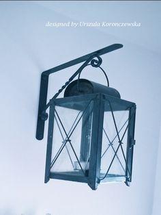 Wkrótce zapalę latarnię. Nadchodzi noc. Soon I will light the lantern. A night is coming. Designed by Urszula Koronczewska.