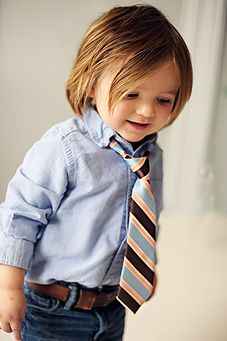 How adorable!! My child will dress like this, bowtie would be presh too!