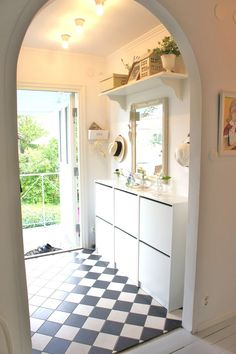 1000  images about idéer för hemmet on pinterest Alcove, Bathtub, Vanity, Loft, Mirror, Bathroom, Middle, House, Furniture