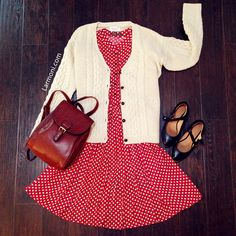 Polka dots retro shirt dress : the art of vintage-inspired & cute women Retro 50, Look Retro, Pretty Outfits, Beautiful Outfits, Cute Outfits, Spring Summer Fashion, Autumn Fashion, Retro Fashion, Vintage Fashion