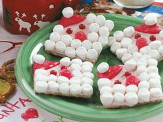Cute graham cracker Santa for kids to make. by dianne