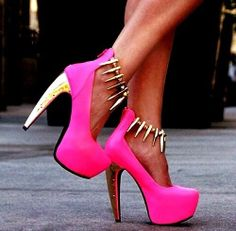 I'm in love with these heels.