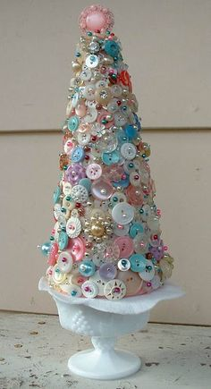 Button tree, would make a lovely centrepiece for winter wedding.