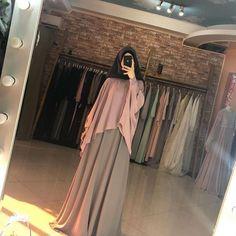 Modern Hijab Fashion, Muslim Women Fashion, Hijab Fashion Inspiration, Islamic Fashion, Abaya Fashion, Modest Fashion, Fashion Outfits, Hijab Style Dress, Hijab Chic
