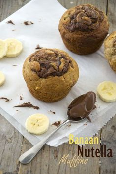 Banana muffins with nutella - Banana nutella muffins. Nutella Hot Chocolate, Hot Chocolate Recipes, Banana Nutella Muffins, Jumbo Muffins, Nutella Recipes, High Tea, Dessert Recipes, Desserts, Croissants