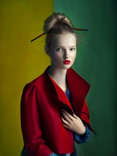 Russian photographer Andrey Yakovlev and art director Lili Aleeva clearly know how to create magic in this fashion photography shoot called Autumn Red. Fine Art Photography, Portrait Photography, Fashion Photography, Chopstick Hair, Art Director, Belle Photo, Lady In Red, Editorial Fashion, Fashion Beauty