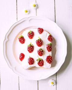この素朴さがツボ♡ジャムで描く「#トーストアート」が可愛すぎ - LOCARI(ロカリ)