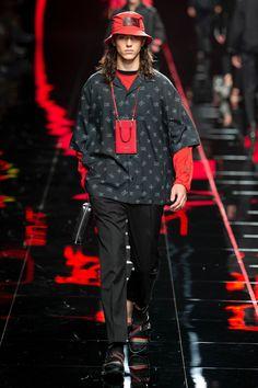 Fendi Spring 2019 Menswear Fashion Show Collection: See the complete Fendi Spring 2019 Menswear collection. Look 8