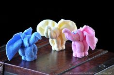 How to Make a Baby Washcloth Elephant for a diaper cake or party favor. Even better: boo boo elephant! Baby Shower Favors, Baby Boy Shower, Baby Shower Gifts, Baby Showers, Shower Cake, Elephant Diaper Cakes, Baby Elephant, Elephant Towel, Towel Animals