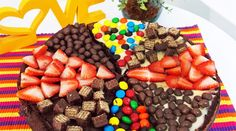Dessert Pizza, Pizza Cake, Chocolate Pizza, Chocolate Lovers, Brownie Pizza, Chocolates, Cookie Pie, Brownies, Food Gifts