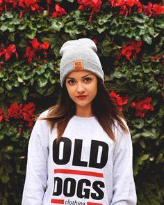 SORTEO NAVIDEÑO www.olddogs.es  . Participa en el sorteo de 1 vale de 30 para productos de Old Dogs Clothing Solo tienes que: - Seguir a @olddogsclothing y @odcambassadors - Nombrar a 3 personas en esta foto (puedes participar las veces que quieras mientras nombres a personas disntintas) . Fecha de vencimiento del sorteo: 5 de Enero a las 12:00 . Aprovechamos para recordaros nuestros puntos de venta para estas navidades:  @mercadodelasluces todos los días de 11:30-14:30 y 17:00-21:00h…