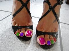 Anyone up for a color change 😍 beautifulbigtoes goddessgrazi goddessgrazifeet goddessgrazislave Pretty Toe Nails, Cute Toe Nails, Pretty Toes, Nice Nails, Beautiful Toes, My Black Is Beautiful, Sexy Sandals, Bare Foot Sandals, Stilettos