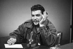 October Revolutionary Che Guevara, hero of Cuba, is killed by the Bolivian army Fidel Castro, Karl Marx, Cuba, Che Guevara Quotes, Ernesto Che Guevara, Pablo Escobar, Popular Culture, Oppression, Revolutionaries