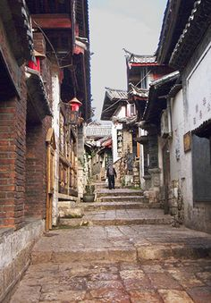 via www.mountainadventures.com  Quiet time in Lijiang Ancient Town. Yunnan, China