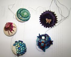 The Crafty Mugwump: Gorgeous beaded buttons