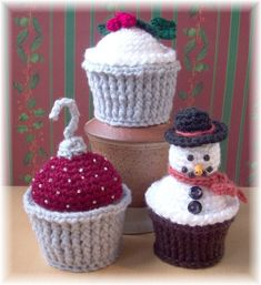 Christmas Surprise Cupcakes...PDF Pattern by KTBdesigns on Etsy, $6.00