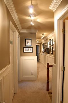 Hallway with wainscotting via DesignDump.