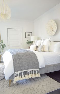 Spring Bedroom Tour + Tips for Seasonal Decorating Room Ideas Bedroom, Bedroom Themes, Home Decor Bedroom, Master Bedroom Decorating Ideas, Bedroom Decor For Couples Small, Rooms To Go Bedroom, Bedroom Decor Master For Couples, Apartment Decorating For Couples, Girl Rooms