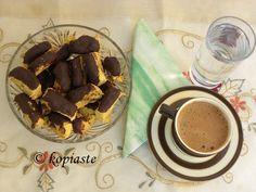 Καλημέρα! Καινούργια γεύση από Λαδοκούλουρα με Πορτοκάλι, Αμύγδαλα και Τσιπς Μπανάνας, βουτηγμένα στη Σοκολάτα!! http://www.kopiaste.info/?p=10868 New Biscotti Flavour: Biscotti with Orange, Almonds, Banana chips, dipped in chocolate!! http://gourmetconcoctions.wordpress.com/2013/04/08/biscotti-and-other-local-products-λαδοκούλουρα-πορτοκαλιού-και/