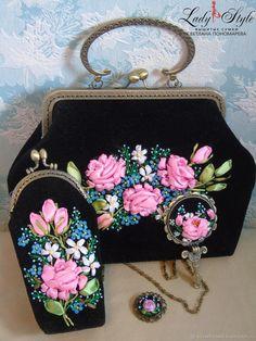 Best Ideas for embroidery shoes diy fun Embroidery Purse, Ribbon Embroidery, Vintage Purses, Vintage Handbags, Diy Bag Strap, Potli Bags, Frame Purse, Floral Bags, Boho Bags