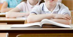 La ayuda que brindamos a nuestros hijos para que sean exitosos en sus estudios académicos puede resultar beneficiosa no sólo a corto plazo sino a largo plazo también. Estas ideas pueden ayudarlos a lograr buenas calificaciones.