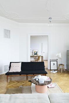 The gorgeous home of ceramist Anne Black - via cocolapinedesign.com