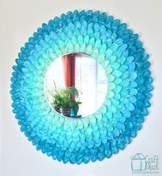 Make an easy Ombre Spoon Flower using simple household items, spoons, and cardboard. You can make a beautiful inexpensive statement piece for your walls. #decoartprojects #americana #multisurface #decoart #madeformakers