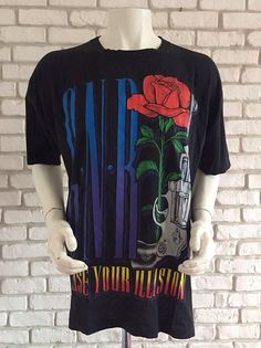 a766cb409 1993 vintage Guns and roses tshirt use your illusion very good condition