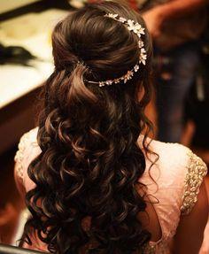 72 Best Wedding Hairstyles For Long Hair 2019 – Engagement Hairstyles 2019 Indian Hairstyles, Bride Hairstyles, Down Hairstyles, Hairstyle Ideas, Bridesmaids Hairstyles, Elegant Hairstyles, Party Hairstyles, Pixie Hairstyles, Hairdos