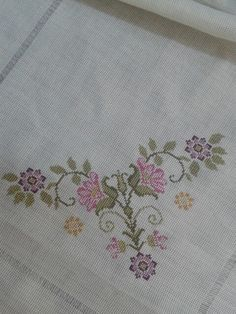 Pink cross stitch bouquet from a kit. Please do not sell it or use it for commercial purposes, thank you ! Just Cross Stitch, Cross Stitch Heart, Cross Stitch Flowers, Embroidery Patterns Free, Cross Stitch Embroidery, Cross Stitch Designs, Cross Stitch Patterns, Foto Art, Bargello