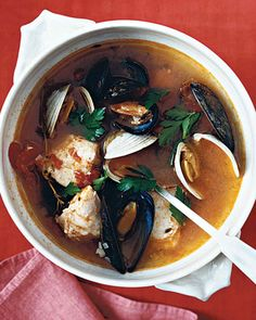 A steamy bowl of fisherman's stew takes the chill off a rolling fog or a cold winter's night. A cinch to make, cioppino calls for seafood that cooks largely unattended and in a single pot.