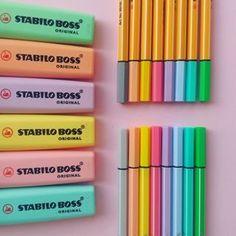Cores pastel como não amar? . #stabilo #stabilolover #stabilopastel #planner #bujo #estudogram #studygram #studytime #pastelcolors #candycolors #estudos #stabiloitalia