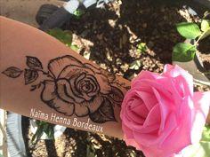 Henné Rose Tattoo  Tatouage au henné naturel avec Naïma Henna Bordeaux, pour un RDV visitez mon site web :-)