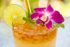 The Best Bars in Honolulu for Mai Tais, Lava Flows, and More